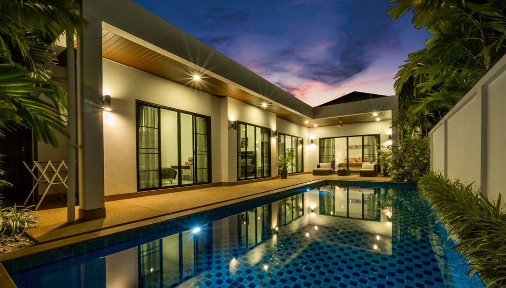 Pool villa twilight